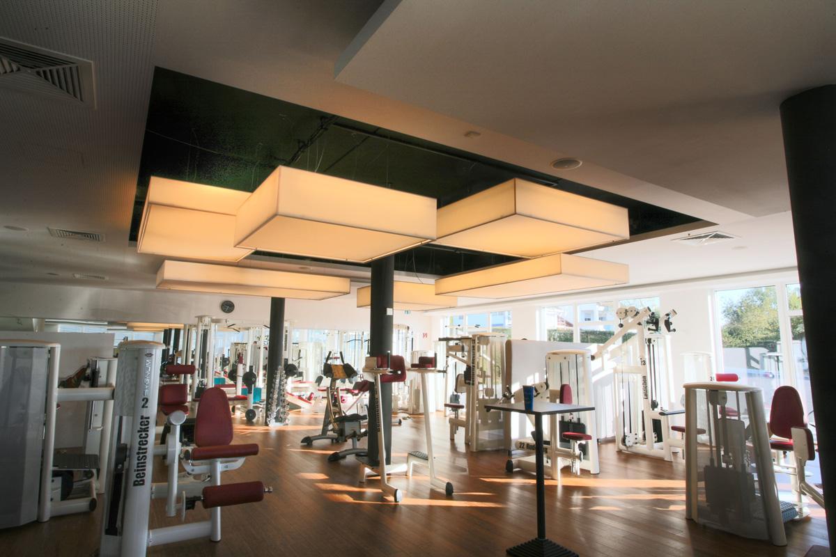 Leuchten In Motion Fitnessstudio - Reiskirchen
