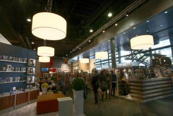Beleuchtung des Messestand Ullstein Buchmesse - Frankfurt