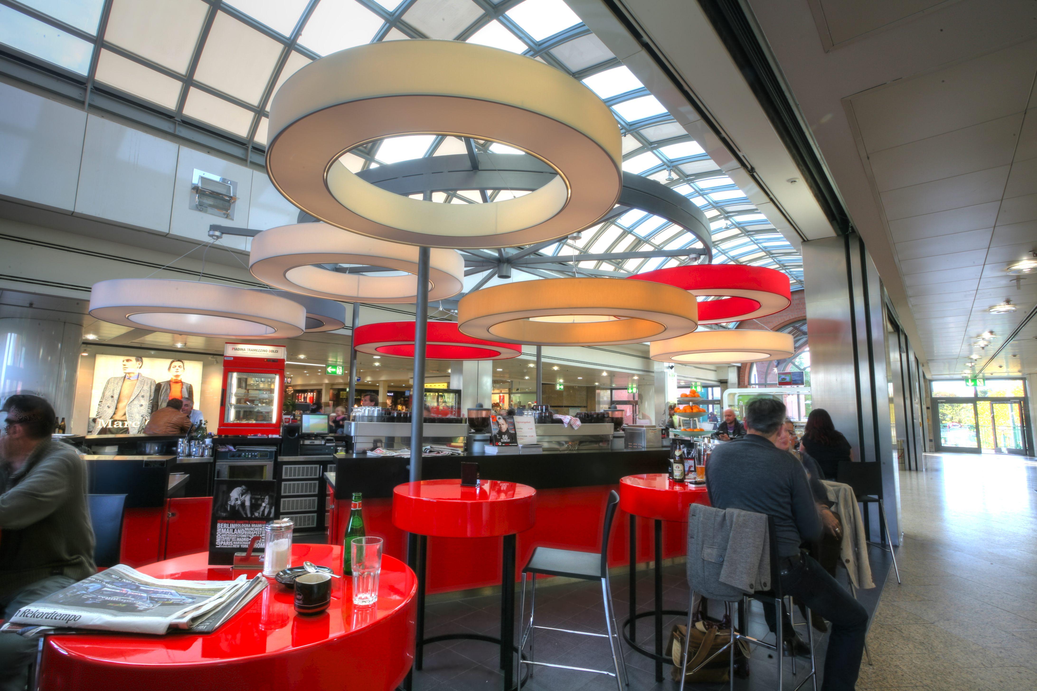 leuchten gastronomie cafe segafredo münchen peters leuchten design