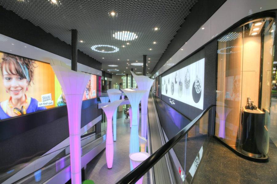 Peters Leuchten Stücki Shoppingcenter Basel
